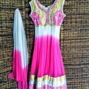 Stunning White, pink, and gold dress and scarff